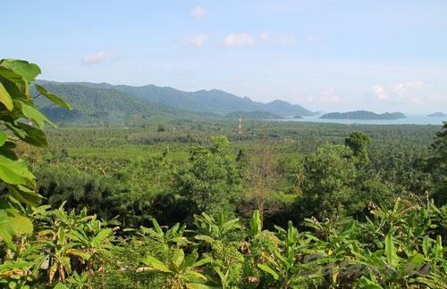 Панорамный вид с обзорной площадки на восточной стороне Ко Чанга